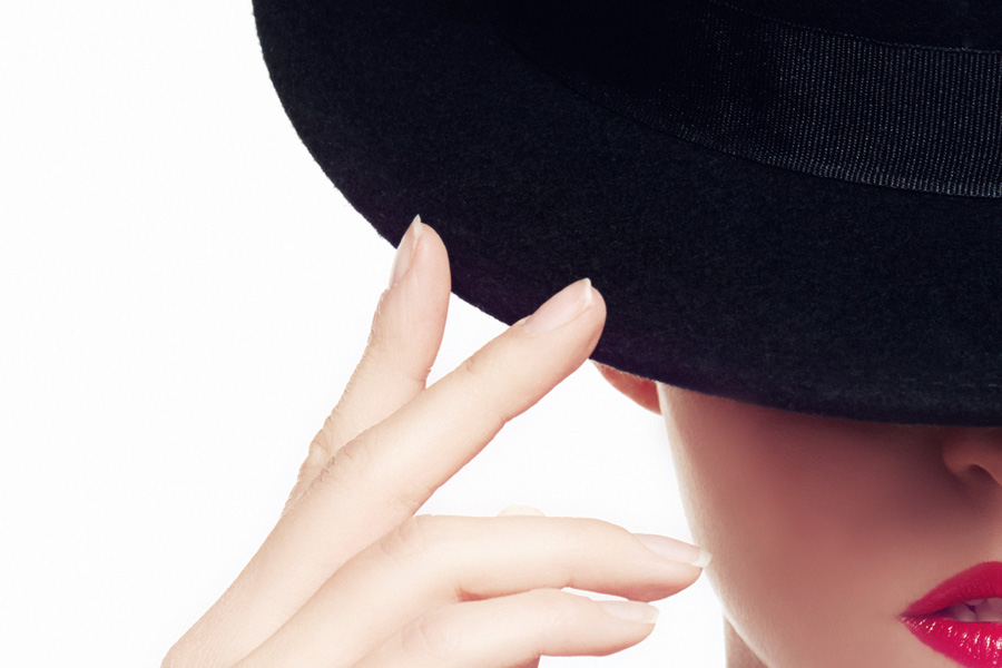 Czapka do trójkątnej twarzy - czarny kapelusz