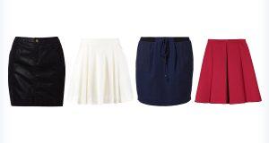 Cztery młodzieżowe spódnice mini