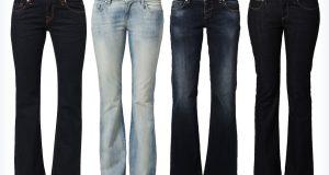 Ciemne spodnie jeansowe z szerokimi nogawkami