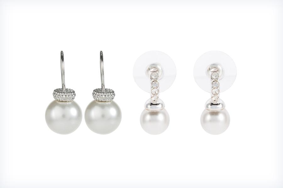 Stylowe dwie pary kolczyków z perłami