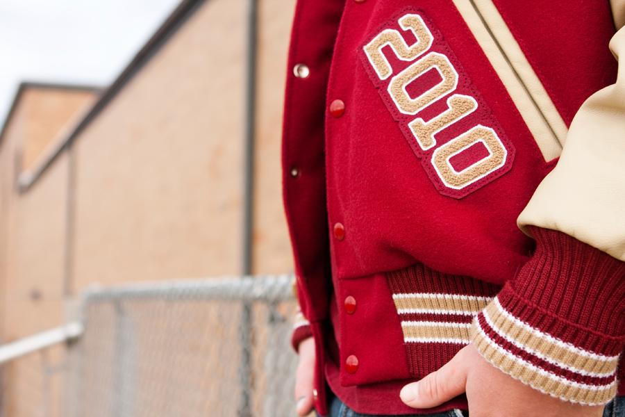Czerwona kurtka bejsbolówka