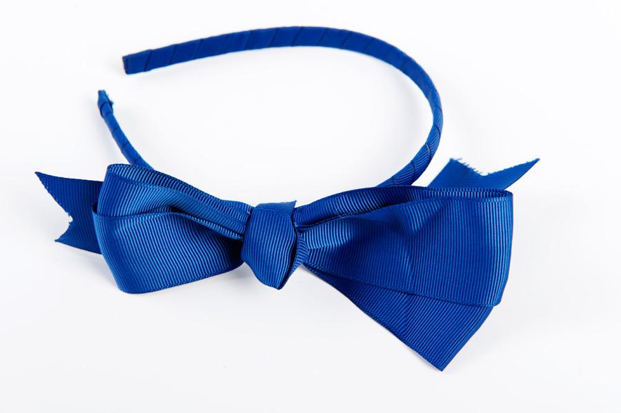 Niebieska opaska na włosy