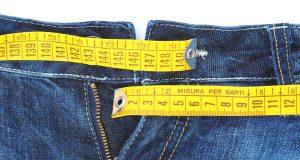 Jeansy z centymetrem
