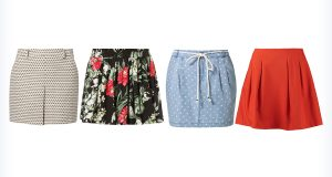 Różnokolorowe spódniczki mini