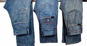 Trzy pary spodni o męskim kroju